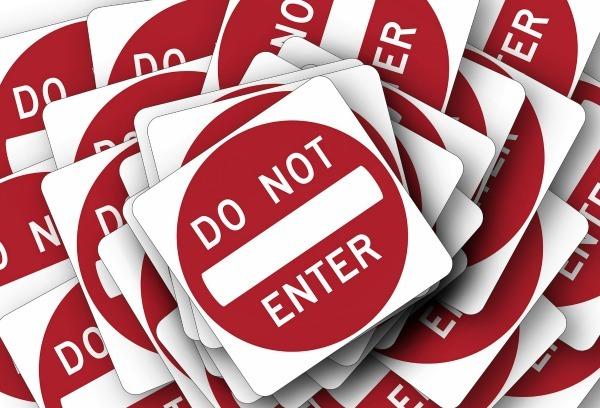 Cartello, non far finire le email nello spam