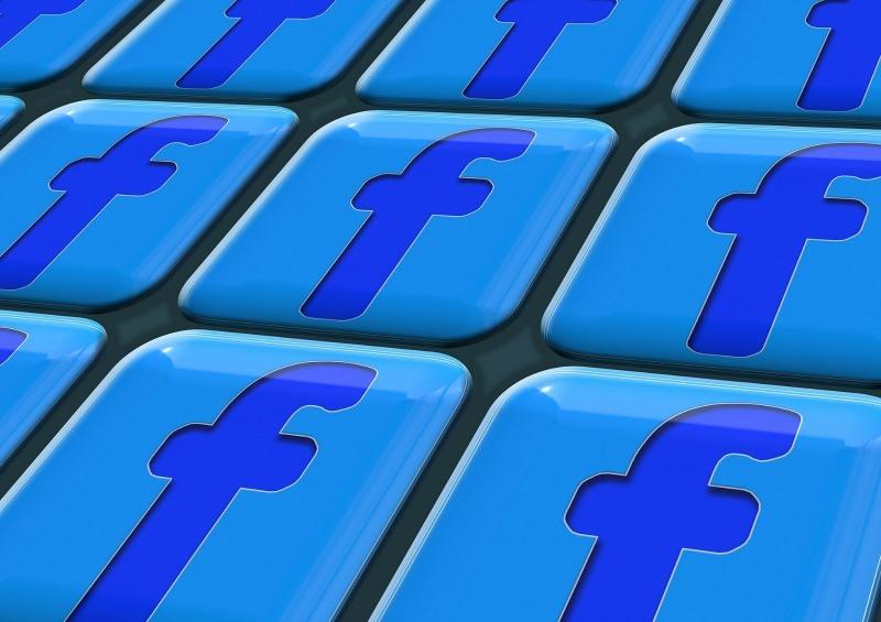 Novità per Facebook live, logo social network
