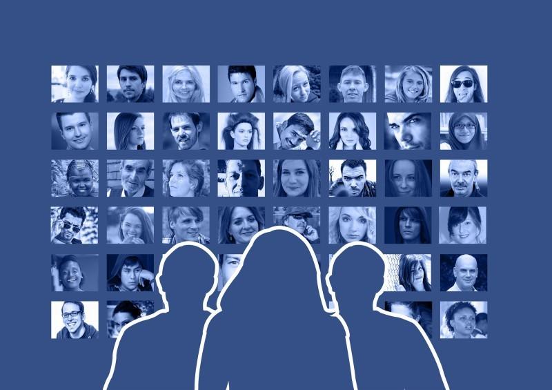 Arrivano le richieste di amicizia su Facebook a scomparsa